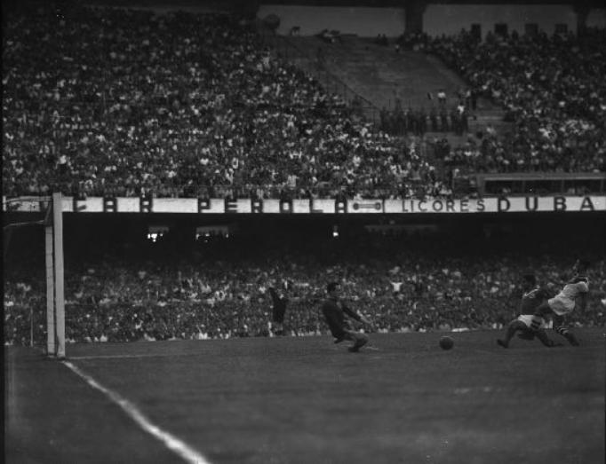 O goleiro Fábio foi o grande destaque palmeirense na partida