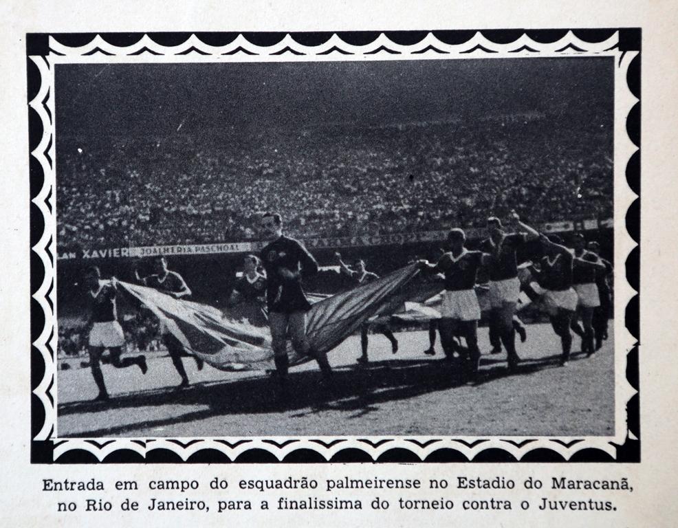 No duelo derradeiro, os alviverdes entraram em campo carregando a bandeira do Brasil e foram ovacionados